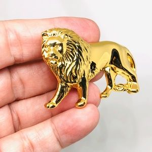 Vintage Jewelry - Vintage 1980s Gold Tone Full Body Lion Brooch